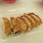 ギョーザマルシェ - 1712_ギョーザマルシェ_黒豚餃子(6個)@500円