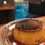 喫茶ゾウメシ - クリームソーダとプリン