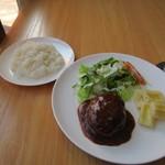 ロココ - 料理写真:スープをいただいてるとメインのお皿とご飯の出来上がりです。