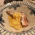 トラットリア カーサ カルマ - マンステールを詰めたラビオリ、タラバ蟹、蟹みそ出汁