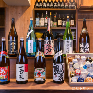 日本各地から集めたお酒が充実。季節ものや限定ものの隠し酒も…