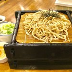 さんて - 料理写真:「ざる蕎麦合盛り」(1450円)。合盛りというか、二段盛りになっている。
