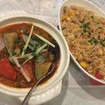 maya - チベタンレッドソースカレー、野菜のチャーハン