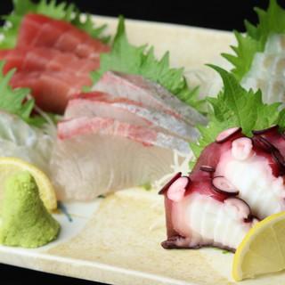 季節の魚を厳選!こだわり抜かれた鮮魚の味は格別◎
