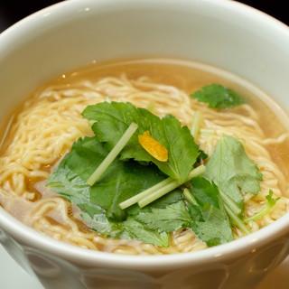 【麺+四川+和だし】四川と日本食が融合した全く新しい中華。