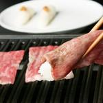 モリちゃん - 料理写真:和牛トロカルビの炙り寿司