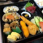 英 - 割子弁当(ライス、赤だし付) 750円