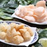 クワンチャイ タイ食堂茶屋町店 - 海老せんべい&豚皮せんべい