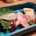 鯛之鯛 - 1712_鯛之鯛 神戸三宮店_お造り盛合せ@580円 [熟成魚]めかじき、ぐれ、平目、[新鮮魚]鯛、タコ