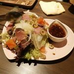 78545473 - カツオタタキとアンチョビのサラダ