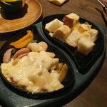 博多イタリアンチーズバル バルバル - ラクレットチーズ
