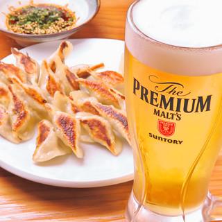 餃子にはやっぱりビール☆最高の乾杯で1日を締めくくろう!