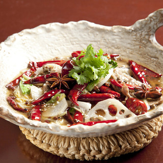 ◆四川料理の代表格◆【国産牛ロースと野菜の唐辛子煮】