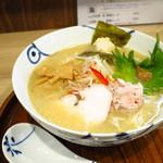 麺や 空月 - 鯛 しお味(白湯スープ)