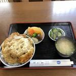 まこと食堂 - 料理写真:かつ丼(税込900円)