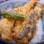 立喰いそば 山吹 - 天丼セット・温そば(540円)