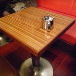 ニューY・C - ☆店内は小さめなテーブル席が結構あります(^v^)☆