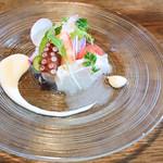 五風十雨 - 魚介のサラダ仕立て 焼いた大根のソース