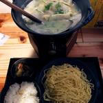 炊き餃子と鶏すき大衆酒場 仕事鶏A - 炊き餃子ラーメン定食
