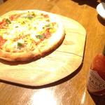 鉄板バルサンパチキッチン - マルゲリータは普通。
