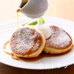 カフェ アンノン - 銅板で焼き上げる、スフレ形のふわふわな『パンケーキ』