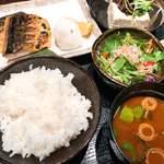 米寅 - とろ鯖の塩焼き定食