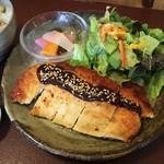 ジャム cafe 可鈴 - メインの「チキンカツレツ ~味噌ソース~」