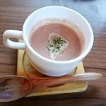 カフェ クウワ - 赤かぶのポタージュ(お惣菜プレートに付いてきます)