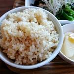 カフェ クウワ - 玄米ご飯大盛りです☆