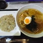 らーめん矢 - 料理写真:あごだし・半チャーハンセット 850円
