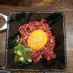 黒べこ - 料理写真:裏メニューのユッケ
