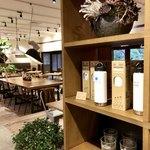 キョウトギオンミュージアムカフェ プロデュース バイ ノースショア - カフェのグッズも売っています