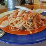 イタリアンハウス パスタ - ホタテとカニのトマトソースパスタ ボリュームあります