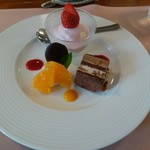 イタリアンハウス パスタ - デザート ケーキは手作り