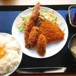 お食事処 浜 - ミックスフライ定食 ¥630
