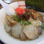 風風ラーメン - 紅生姜と辛し高菜が無料