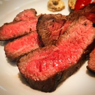 シェフが選び抜いた「お肉」でおもてなし