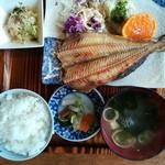 男鹿海鮮料理 三代目ほたる - 焼き魚定食780円