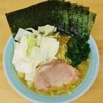 78598569 - ラーメン750円麺硬め。海苔増し100円。