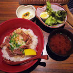 鶏焼肉くぼかわ - 【ランチ】 上鶏モモの特製タタキ丼 \800