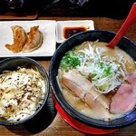 拉麺 えぼし - 料理写真:味噌拉麺 & 餃子2個 & チーズごはん