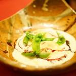 レロエ オヴェスト - 大山鳥と小松菜のラビオリ セージ風味のクリームソース