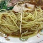 青島食堂 - 多加水麺、茹で良~