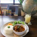 アナログ カフェ ラウンジ トーキョー - 豚肩肉とごぼうのインドカレー&グレープフルーツjuice♡