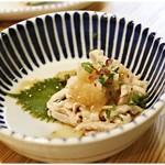 鶏焼肉東京 - 湯引き皮ポン 350円