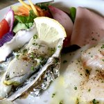 バルカ - 前菜: ブダイ・紀伊長島 近目金時のカルパッチョ・鳥羽 桃こまち生牡蠣