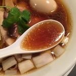 カネキッチン ヌードル - 地鶏中心のスープ