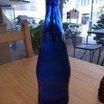 cibo - お水もおしゃれな青瓶で