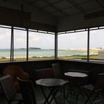 ビーチカフェ anjina - 海がキレイ