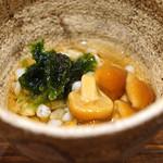 日本橋 蕎ノ字 - 料理写真:お通し ナメコと浜名湖の海苔と蕎麦の実